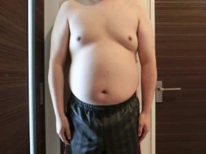 ライザップ1日目の体型「正面」の画像