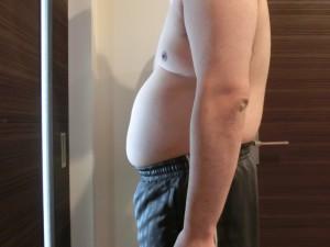 ライザップ1日目の体型「横」の画像