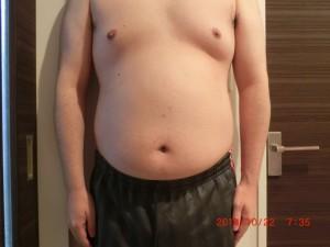 ライザップ4日目の体型「正面」の画像