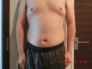 ライザップ26日目の体型「正面」の画像