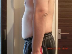 ライザップ27日目の体型「横」の画像