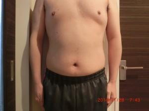ライザップ41日目の体型「正面」の画像